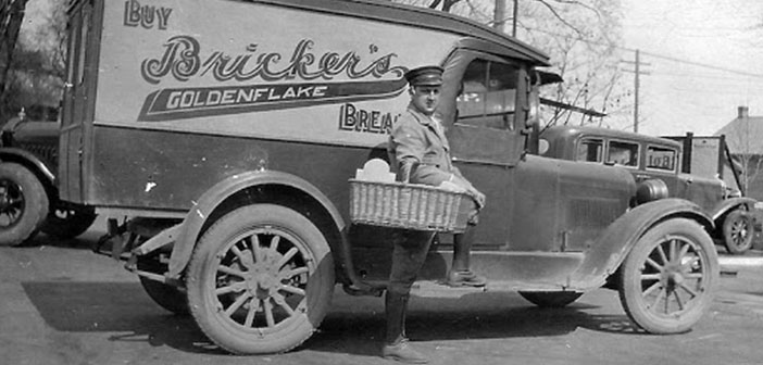 Bricker bread truck, decade of 1920 and early 1930