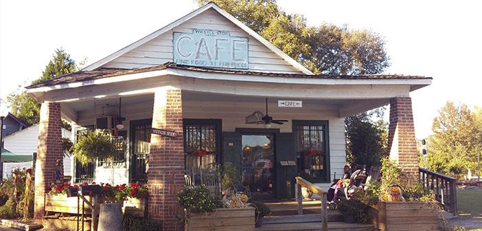 Le bâtiment Arrête Whistle Café