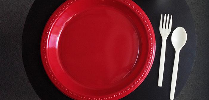 vaisselle en plastique à usage unique