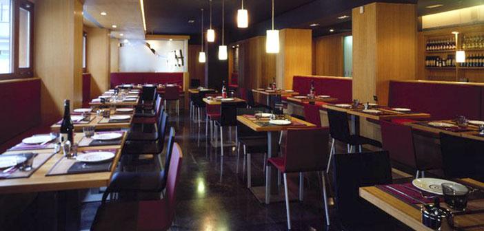 Este restaurante, que cuenta con un cuidado diseño minimalista es una referencia para el resto de negocios de hostelería.