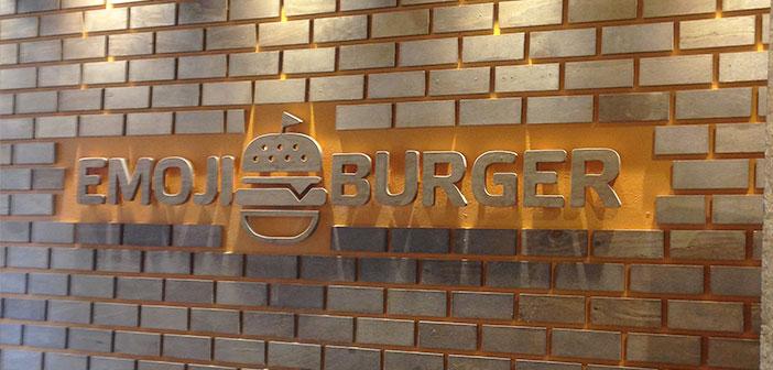 Este es otro restaurante de comida rápida saludable que también basa su carta en los diferentes Emoji de comida.