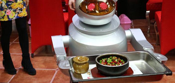 « Les robots sont maintenant utiles que dans des tâches répétitives, mais encore un long chemin à parcourir avant de pouvoir entrer sur le marché du travail dans d'autres professions où les droits sont plus diversifiés »