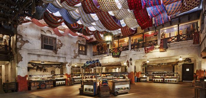 Este restaurante-buffet nos transporta hasta un típico mercado Harambee donde podemos probar la gastronomía africana.