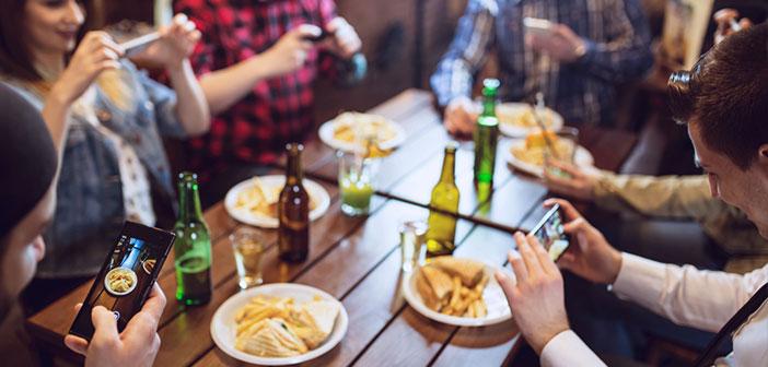 Il y a plusieurs innovations technologiques qui peuvent être incorporés dans un restaurant tout simplement, et qui fera appel à millennials.