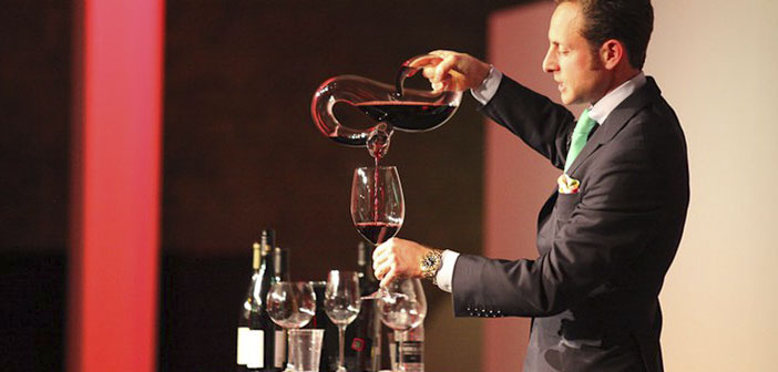 """Perhaps the Austrian company Riedel are the epitome of sophistication. Rober Parker dice: & Quot; they are the best glasses for both technical use and for enjoyment """"and"""" the effect on quality wine is deep """"."""