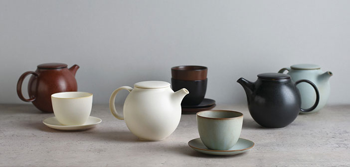 There are many ways, and colors, but the big difference among them is mainly what material they are made: ceramics, porcelain, clay, molten iron, Filtered and Unfiltered.