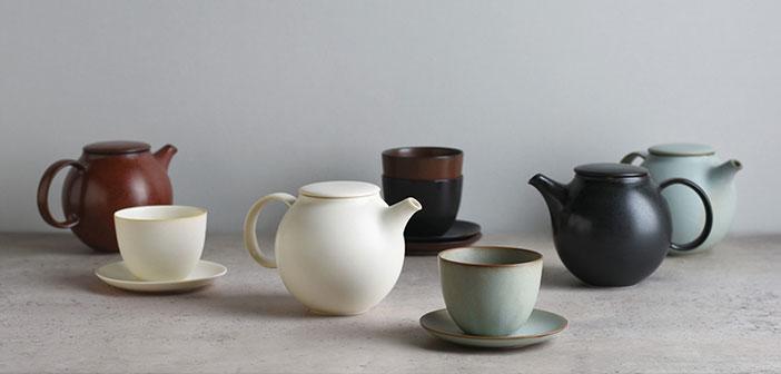 Las hay de muchas formas, tamaños y colores, pero la gran diferencia entre todas ellas es principalmente de qué material están hechas: cerámica, porcelana, arcilla, hierro fundido, con filtro y sin filtro.