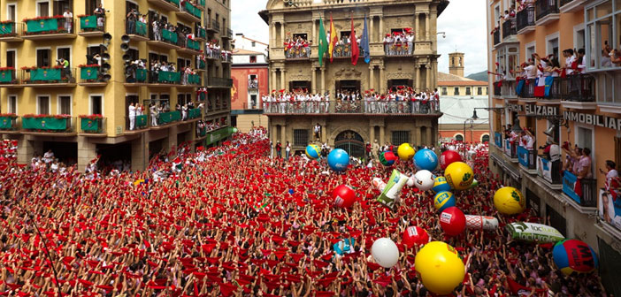 San Fermin fiestas are a world-famous, so you have to take it to your advantage and apply what better come according to your business.