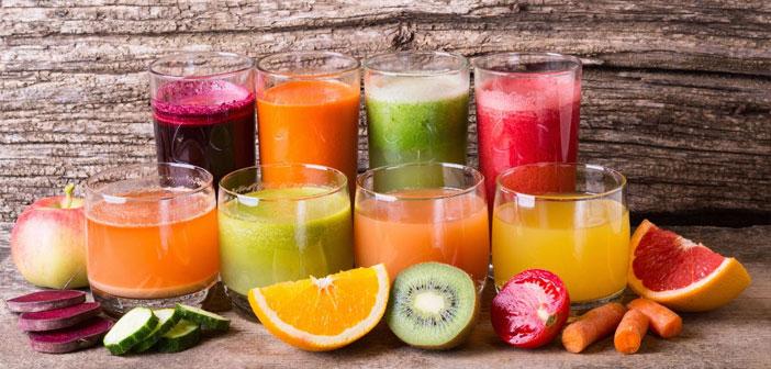 Il existe d'innombrables propositions, des jus de fruits ajouté du jus de sucre de désintoxication à base de légumes et légumes. Parmi ses recettes, ne manque pas de fraises, l'ananas, melon, orange, le citron, etc.