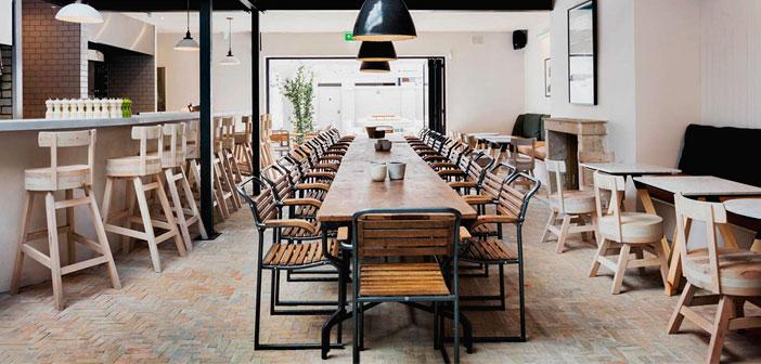 Cuando hablamos de diseño hablamos de todo, porque todo es diseño. Desde la disposición de mesas en sala hasta el propio material del que están hechas. La iluminación del local o el recorrido que hace un camarero para servir al cliente.