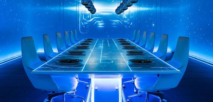 Sublimotion est la première représentation du monde gastronomique. Situé au Hard Rock Hôtel Ibiza, Il combine les dernières technologies avec un grand travail d'équipe de professionnels et d'artistes espagnols, leader gastronomie, mise en scène, musique, art, conception, technologie, magie, illustration et neurosciences.