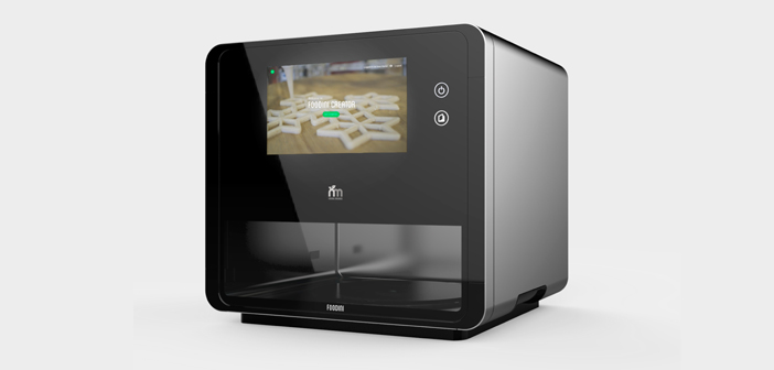 Foodini es una impresora 3D de la empresa Natural Machines de tipo domestico y con la que se usan ingredientes frescos en forma de puré para elaborar comida casera y saludable, con la técnica más original.