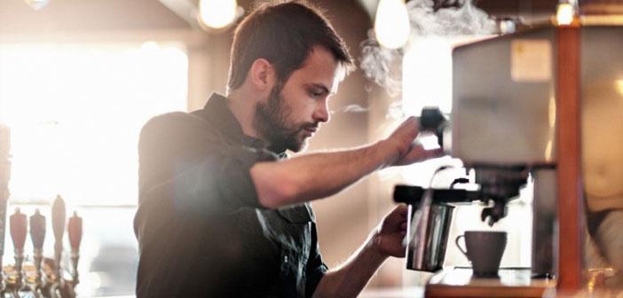 de Gastrouni, par le Maître dans Restaurants & F&B Hotelero, Nous démontrons la réalité de la vie dans une entreprise de restauration et leur apprendre à combiner une partie professionnelle du personnel pour réussir.