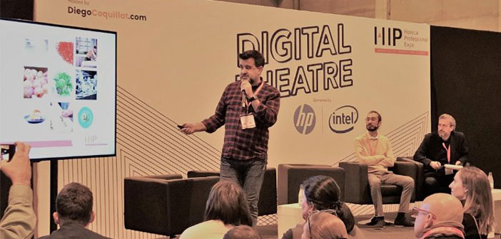 Adrian Mayorga, Coque restaurant social media, and Paul Bellenda, creative director of the company Aplus Gastromarketing, They explained from her experience, in #TeatroDigital coordinated by @diegocoquillat at # ExpoHip2018