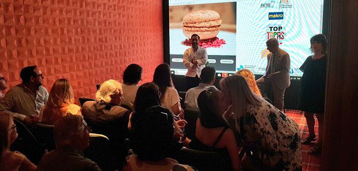son président, le chef Mario Sandoval, qui a déjà fait une défense de ce produit plus tôt cette année, a accueilli hier dans son restaurant une démonstration de Madrid Coque de comment faire cuire un bouchon et ce que cela signifie pour notre nourriture. Il était accompagné à la cérémonie, le président de l'Académie Royale de la Gastronomie (CHIFFON), Rafael Anson.