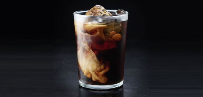Of all the possibilities that exist to make cold coffee, one of which had less explored so far is the infusion of the beverage without temperature increase.