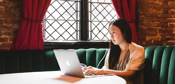 KettleSpace permite a los propietarios de clubes, bares y restaurantes alquilar mesas a los trabajadores por cuenta propia que necesiten un espacio de trabajo. Se puede celebrar una reunión o trabajar desde un ordenador.