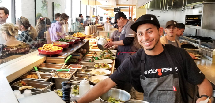 Tender Greens, specializing in mixed salads and vegetarian, which has 28 stores in strategic locations. Recently only accept credit cards and contactless payment, such as Apple Pay.