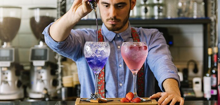 Technological avoid abuse and preserve human contact is the major challenge in the digital transformation of the restaurants