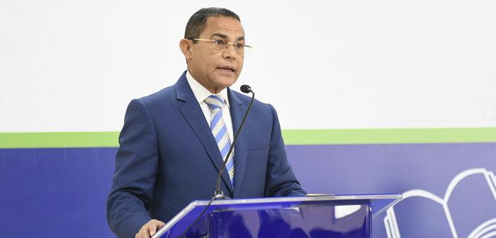 El director general del INFOTEP, Rafael Ovalles