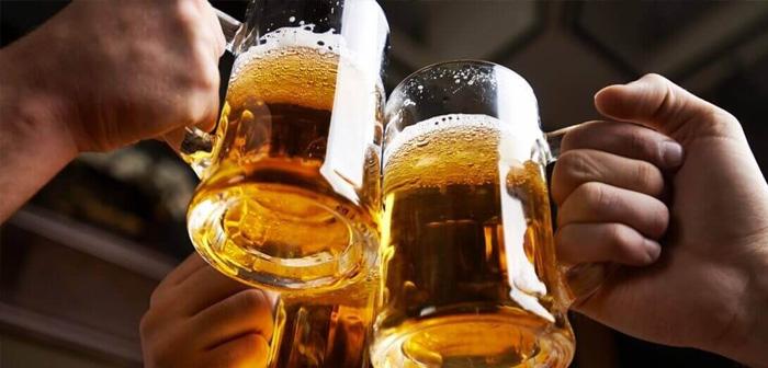 Le jour 3 d'Août est consacré à ce breuvage, qui a été avec nous depuis des millénaires. Dorada, mousseuse et froid, bière seul est un magnifique revendication, mais si elle est mélangée avec une promotion ou une offre spéciale, l'effet de traction sur les consommateurs peut être très attractif.
