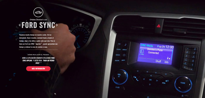 Order online platforms integrated into cars are a commitment to the future. The first time appeared Domino's hand was in 2014 and affected Ford Motor cars that had Ford's SYNC system AppLink.