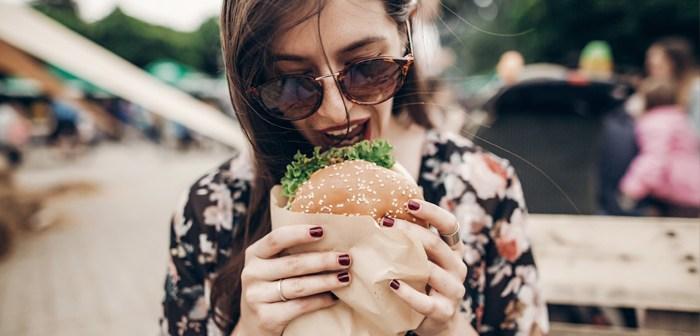 Nestlé est burger végétarien engagé Nestle engagé burger végétalien pour entrer dans un marché qui se déplace des milliers de millions d'euros en quelques années