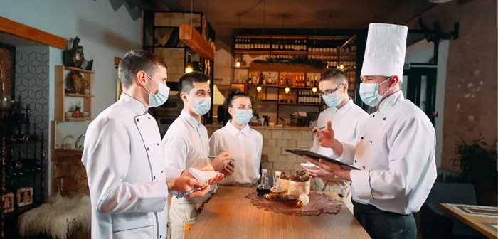 5 solutions that digital management systems provide to restaurants.