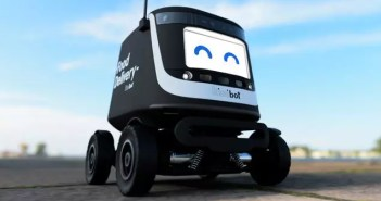 Los robots de reparto de comida se triplican en las universidades y crecen en los restaurantes