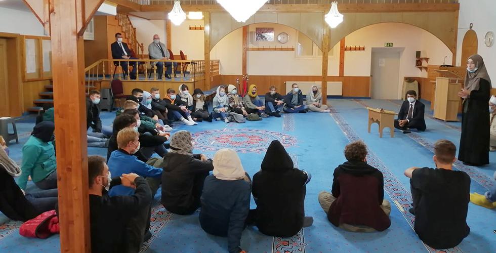 Üniversite öğrencilerden Bergneustadt DİTİB Camii'ne ziyaret
