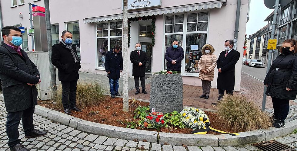 Schwandorf kurbanlarına iki anma töreni