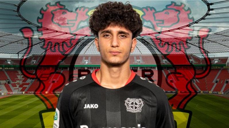 Bayer Leverkusen, Emrehan Gedikli ile profesyonel sözleşme imzaladı