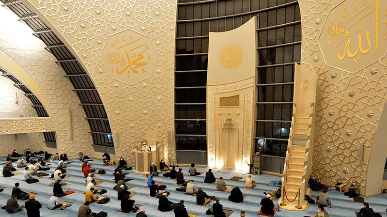 DİTİB'de ramazan ayının ilk teravih namazı eda edildi