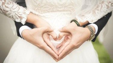 İngiltere'de evlilik sertifikalarında ilk kez anne ismine de yer verilecek