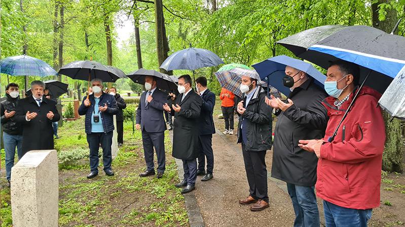 Nürnberg'de mezar ziyareti yapıldı