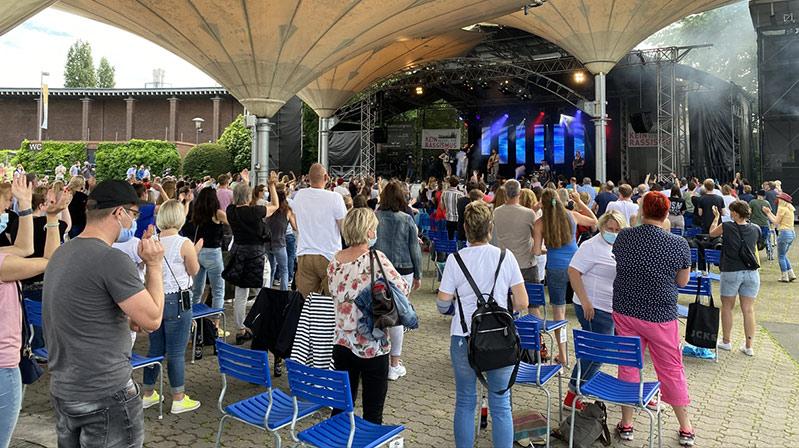 Köln'de aylar sonra ilk konser düzenlendi