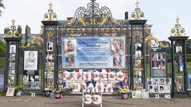 Diana'nın Kensington Sarayı'nda heykelinin açılışı yapıldı