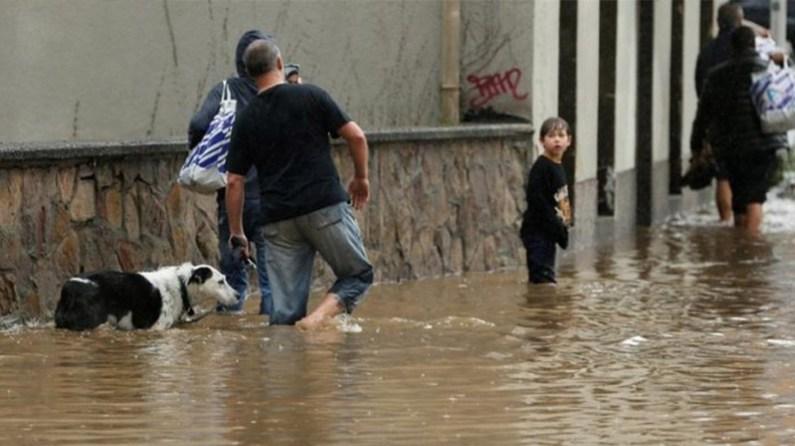 Almanya'da şiddetli yağışlar hayatı olumsuz etkiledi