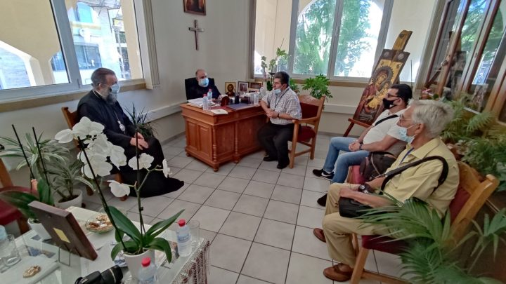 O Πρωτοσύγκελος της Ιεράς Αρχιεπισκοπής κ.κ Μεθόδιος Βερνιδάκης και ο Θεοφιλέστατος Ἐπίσκοπος Κνωσού κκ. Πρόδρομος Ξενάκης , υποδέχτηκαν την αντιπροσωπεία του Διοικητικού Συμβουλίου της Διεθνούς Ένωσης Κρητών Δημοσιογράφων  Μέσων Μαζικής Ενημέρωσης και τα Ιδρυτικά μέλη της