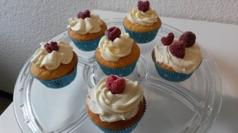 Vanille Himbeer Cupcakes
