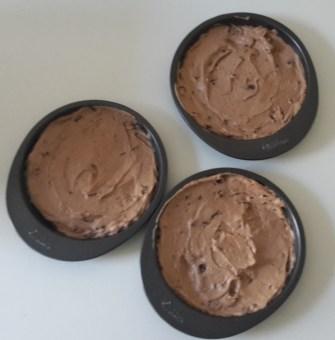 Schokoladen-Nuss-Buttercreme-Kuchen [Produkttest]