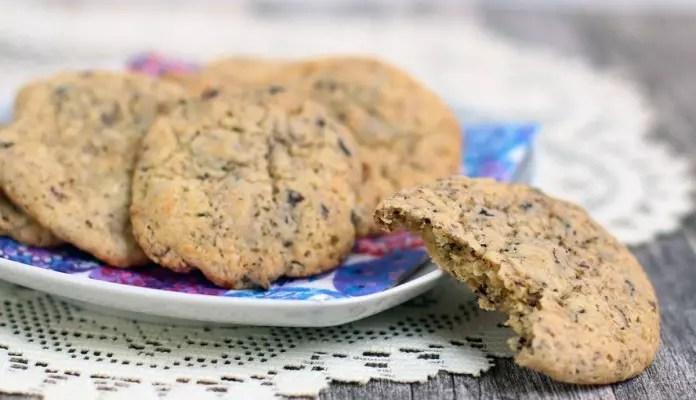 schoko kekse mit kokosbl tenzucker rezept die k che brennt food blog. Black Bedroom Furniture Sets. Home Design Ideas