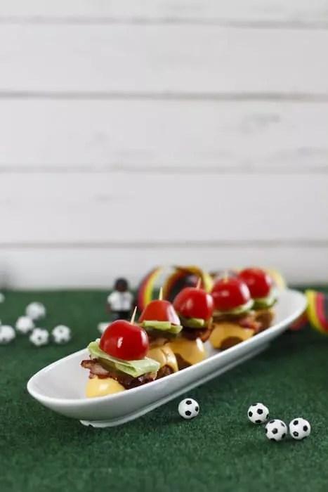 Mini Cheeseburger ohne Brot als Fingerfood / Snack für Party