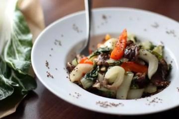 Rezept mit Pak Choi, Shiitake Pilzen und Paprika