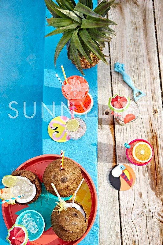 tropical-cocktail-kit_lifestyle2.jpg