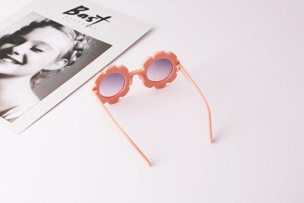 Kindersonnebrille_blume_blush1