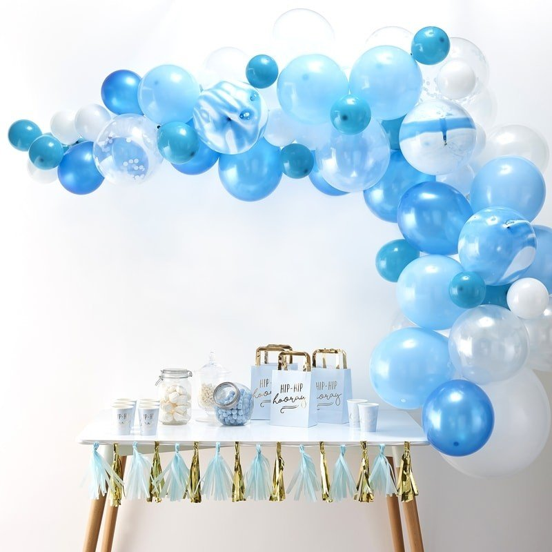 luftballon-girlande-blau-weiss-70teilig Die Macherei