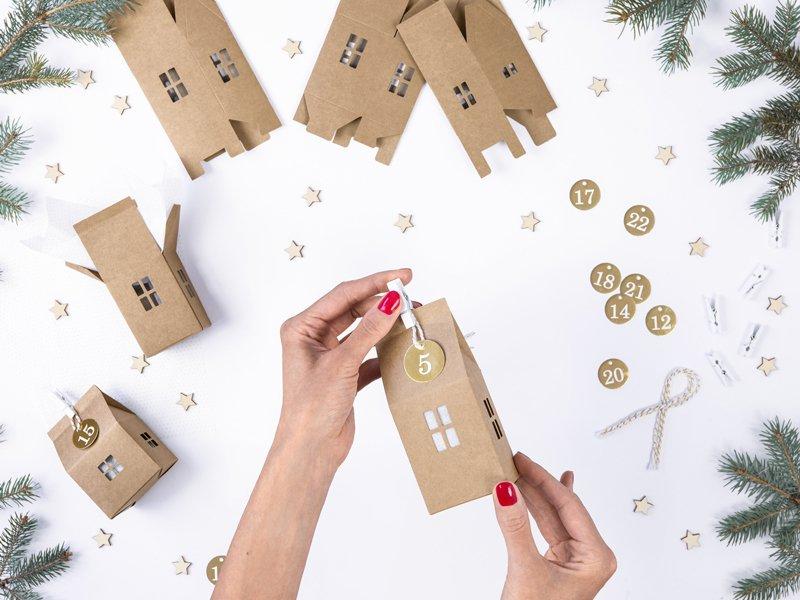 Adventkalender Set DIY Kartonhaus Die Macherei