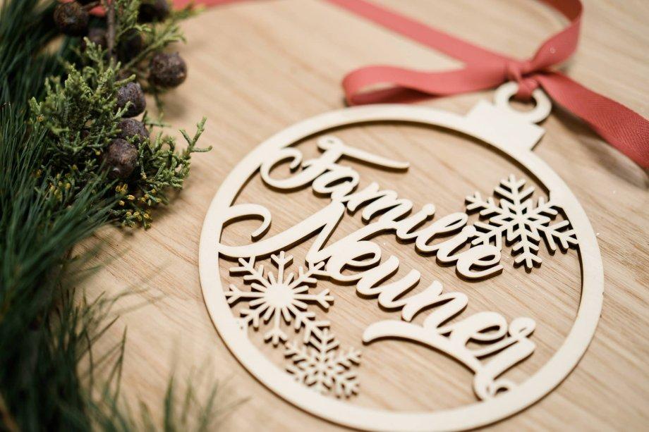 Holzornament Familie personalisierbar Die Macherei