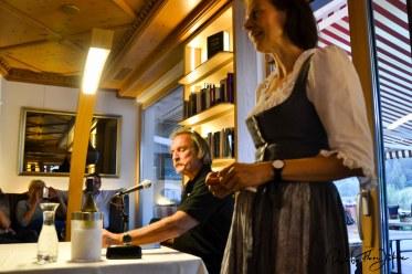 Christoph Ransmayr und Hotelchefin Sonja Juffinger-Konzett